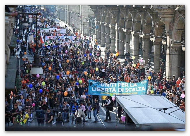 no-obbligo-vaccinale-manifestazione-torino-23-03-2019-