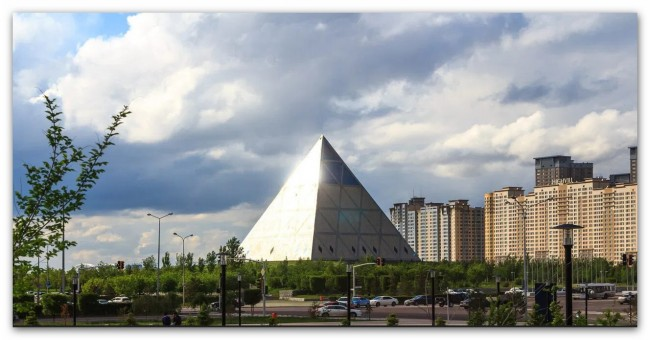 piramide-astana-4